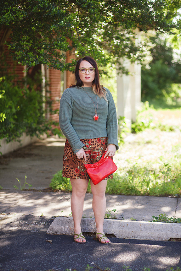 tropical print shorts outfit 1