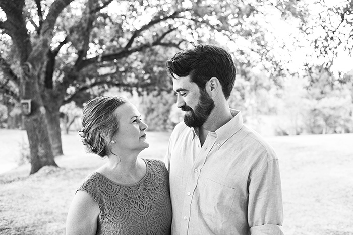 065 outdoor texas wedding family photos